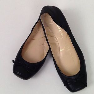 Jessica Simpson black ballet shoes in 5.5.
